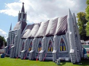 Chiesa gonfiabile